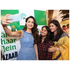 jaiswal pragya selfie with friends