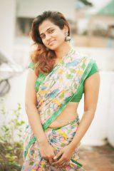 ramya pandian glamour photos