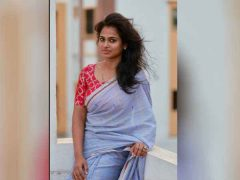 ramya pandian in blue saree