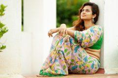 ramya pandian latest saree photos