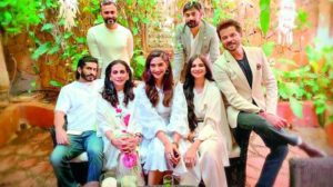 Anil kapoor family photo